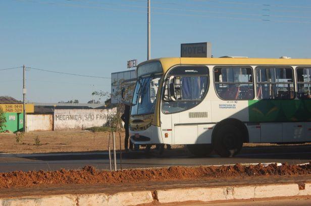 Os ônibus de Brasília são caros, desconfortáveis e ultrapassados tecnológicamente