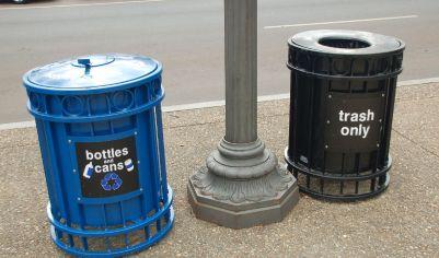Nota-se uma preocupação por parte do poder público em manter a cidade ordenada e ambientalmente correta. Foto: Chico Sant'Anna.