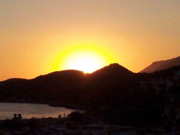 Turkia Por do Sol em Kas. Foto de Chico Sant'Annam pelo celular