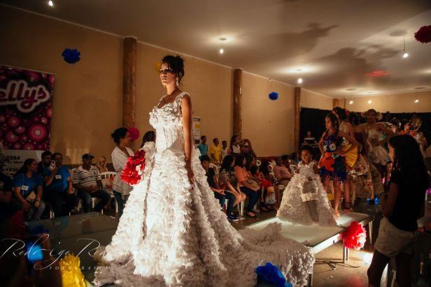 Moda reciclada vestido de noiva