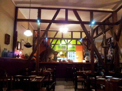 Deliciosos restaurantes, guardam ahistorica arquitetura do bairroportuário de Valáraíso,no Chile