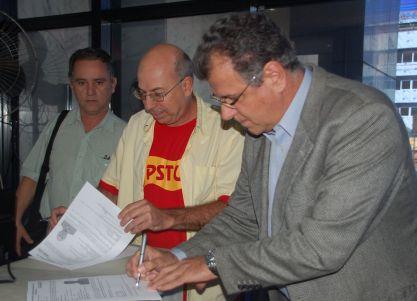 Toninho do Psol, Ricardo Guillen e Chico Sant'Anna formalizam os registros de suas candidaturas às eleições de outubro de 2014.