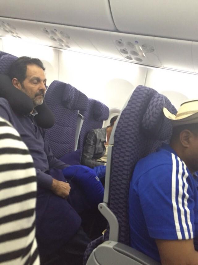 Agnelo no avião