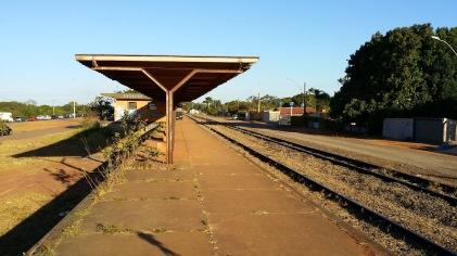 Hoje abandonada, a Estação Bernardo Sayão, entre o Guará e o Núcleo Bandeirante poderá ser importante ponto de integração com outros tipos de transpórte coletivo. Foto de Chico Sant'Anna.
