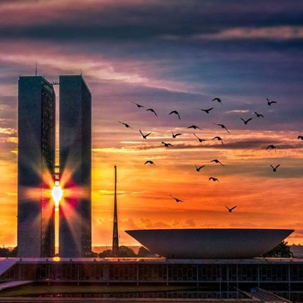 Congresso no sol nascente