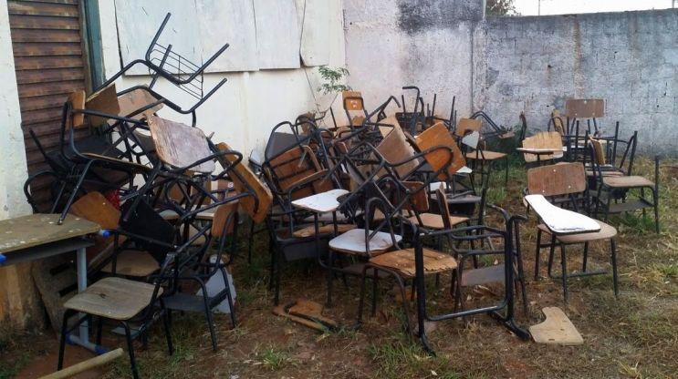 Cadeiras escolares2