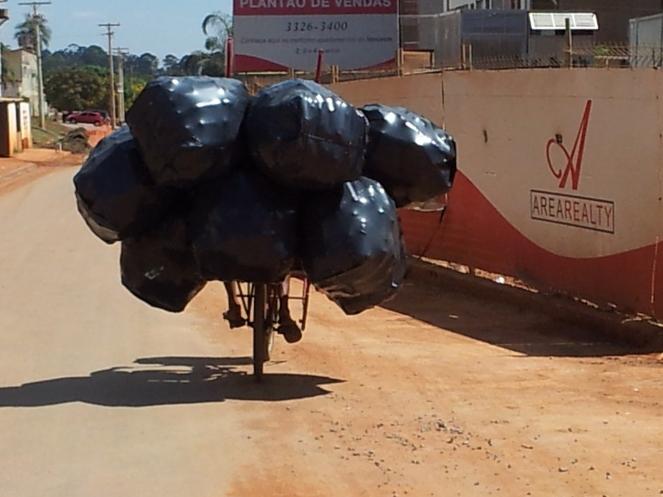 Catador em bicicleta (2)