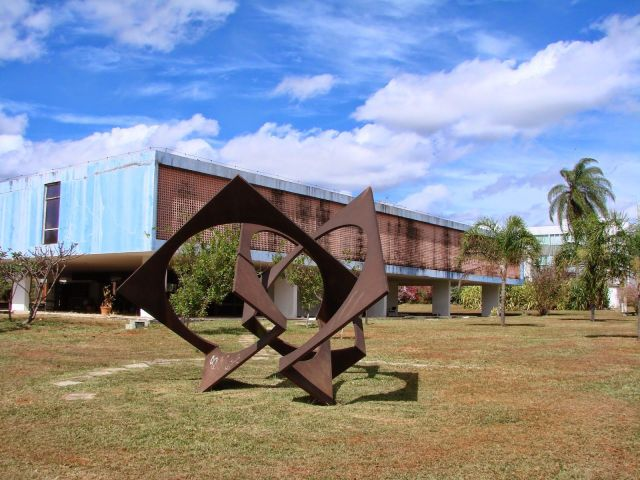 mab-visao-externa-escultura