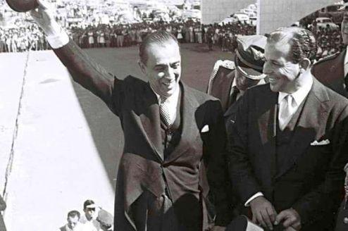 JK e Jango abraçaram juntos o projeto de mudar a capital do Rio de Janeiro para Brasília. Foto do arquivo de família