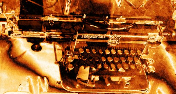 maquina-de-escrever-dourada